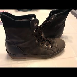 Mens Converse Brown Hightop Sneaker Boots Size 12